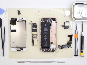 How to disassemble Apple iPhone SE