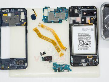 How to disassemble Samsung Galaxy A20 SM-A205
